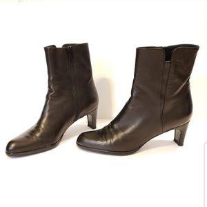 Stuart Weitzman | black leather heeled booties